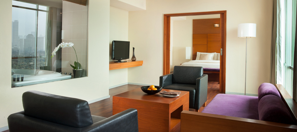 Hotel jakarta hotel rooms at alila jakarta boutique hotel for Accolades salon coupon
